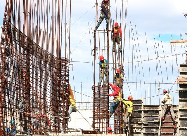 Vinculación del contrato de obra o servicio a una contrata
