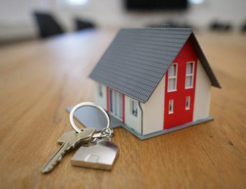 ¿Queda sujeta al IVA la escisión de la actividad de arrendamiento de viviendas a dos sociedades nuevas?