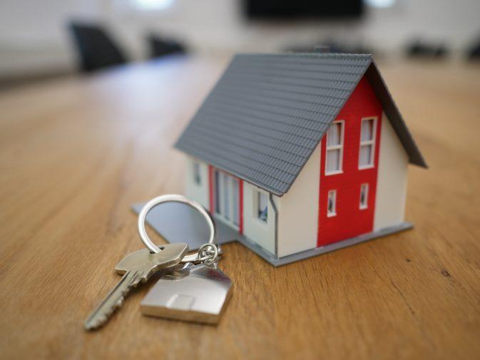 Escisión de la actividad de arrendamiento de viviendas